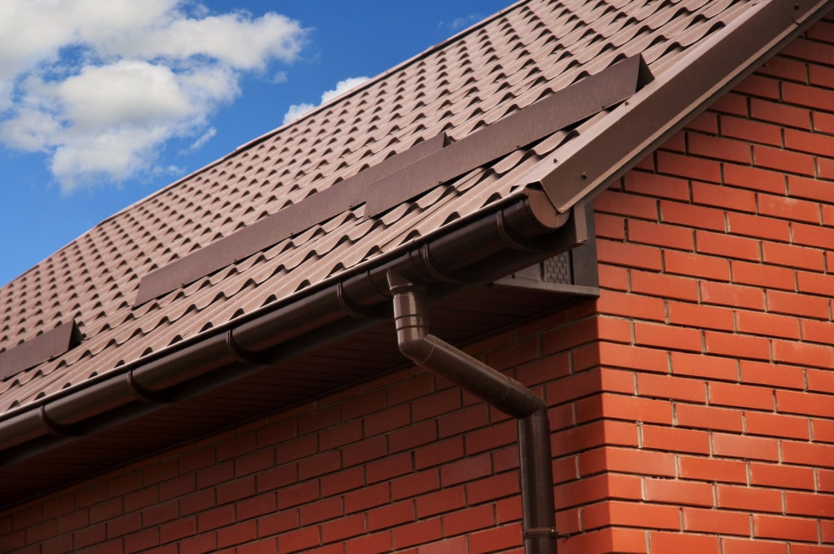 Brown aluminium gutter