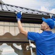 fixing roof gutters